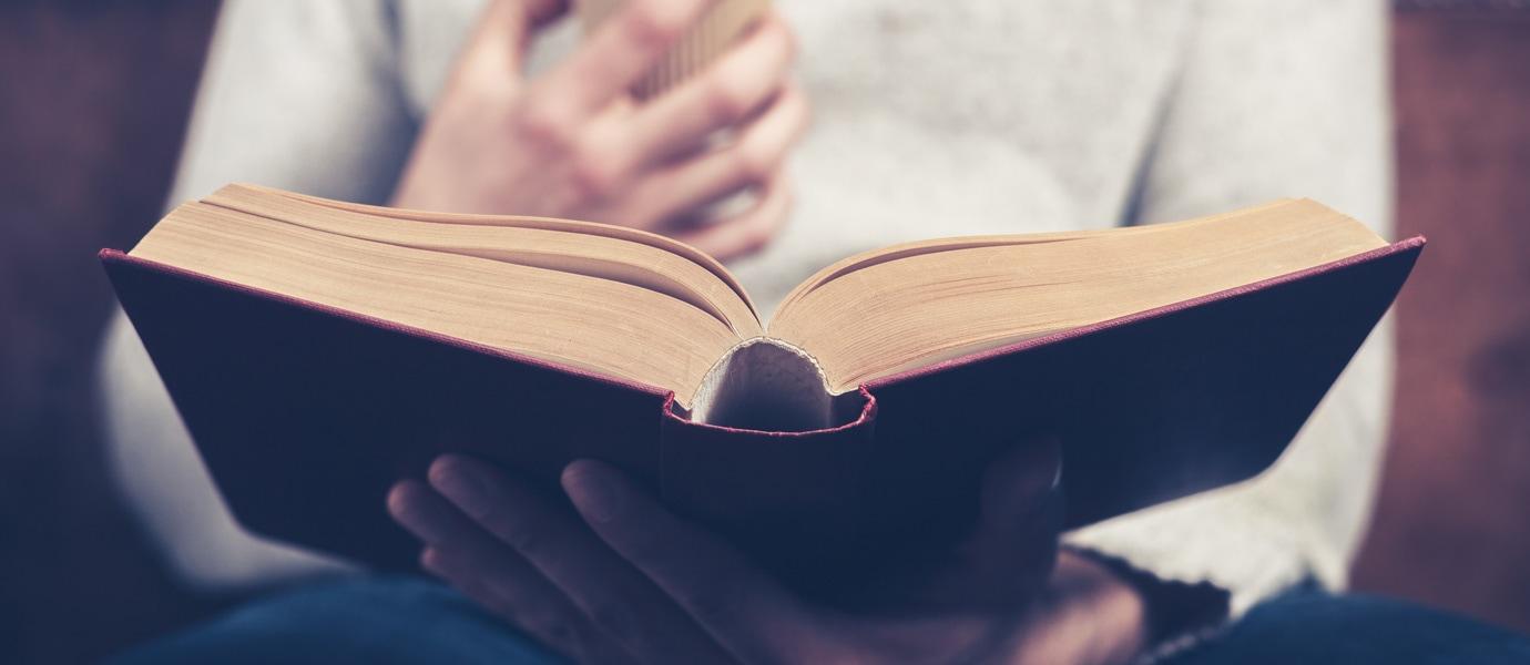 Quarentena COVID-19 - Ler Livros